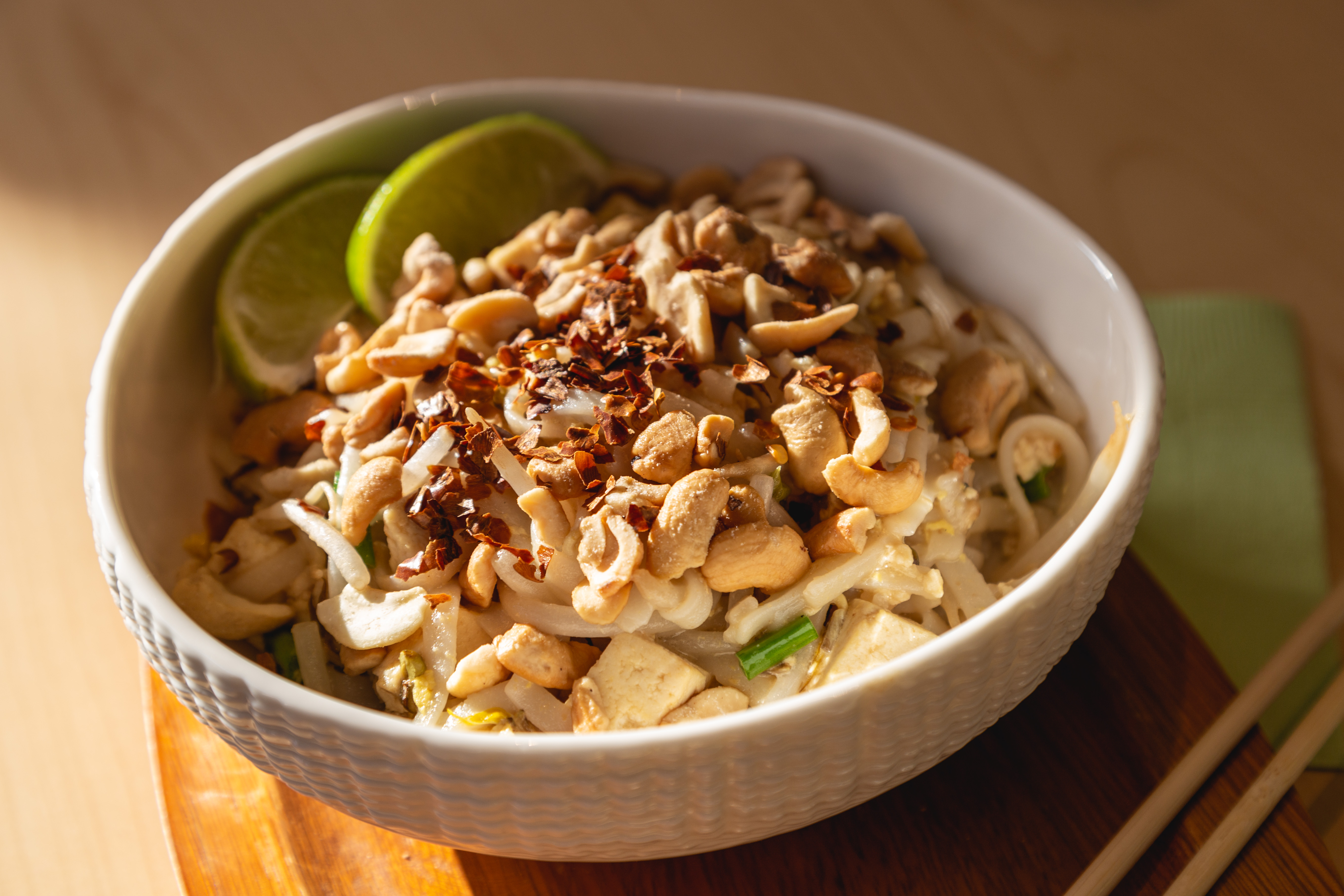 Pad Thai In A Bowl Topped With Cashews